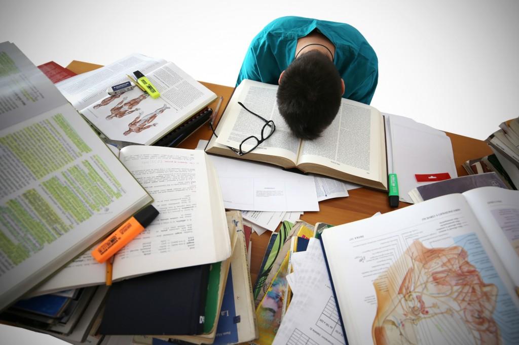 Cómo tratar la ansiedad y nerviosismo de los exámenes con homeopatía
